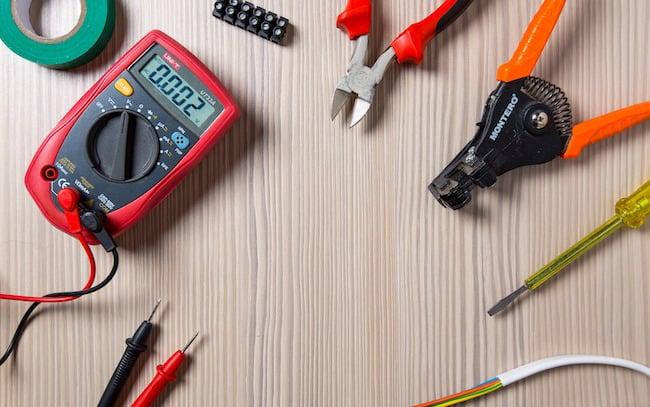 Image Électricien devenir électricien: études, salaire, options